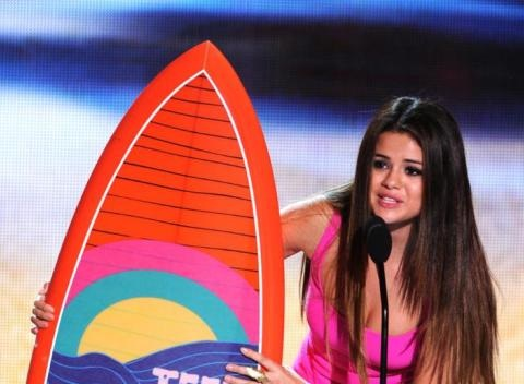 News video: Selena Gomez Is Getting Honored At The Teen Choice Awards!